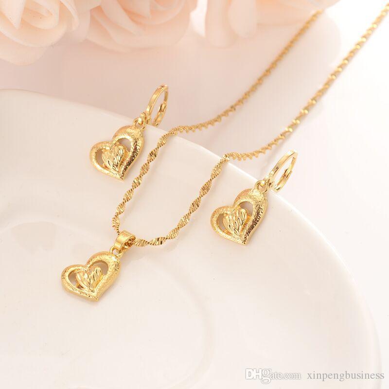 14k oro fino fino GF grabable apiladas dos corazones del amor sólido conjunto collar pendiente pendiente a juego