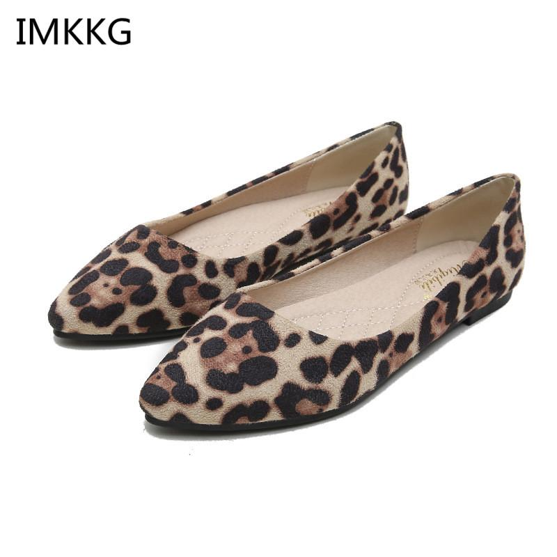 Vente chaude sexy léopard chaussures femmes bout pointu chaussures plates femmes mocassins designers de luxe zapatos mujer f076