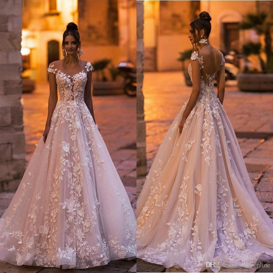 2020 Elegant Full Lace A Line Bohemain Wedding Dresses Cap Sleeves Beach Covered Buttons Wedding Gowns 3D Applique Floral Bridal Dress