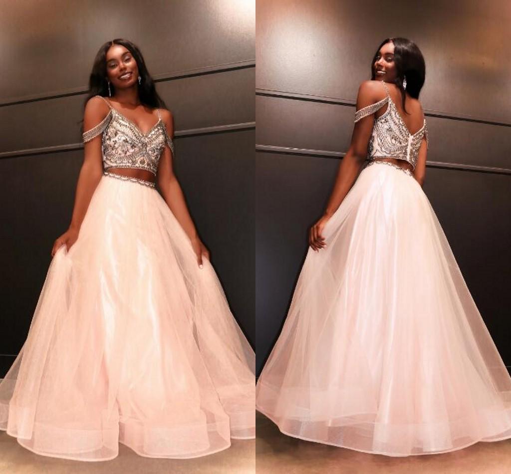 Blozen twee stuk homecoming jurken prom elegante formele jurk a-lijn koude schouder kralen tule pageant zoete 16 jurk goedkoop