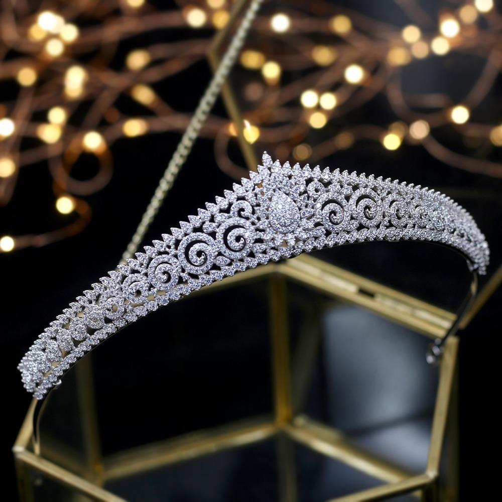 2018 New Design Wedding Tiaras Bridal Headpiece Bride Hair Jewelry Queen Crowns Tocado Novia Wedding Hair Accessories Y19051302