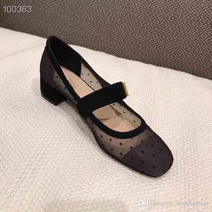 2019 Lujosas zapatillas de ballet con malla para mujer, Zapatillas de tacón medio del diseñador, Ventas de primavera de zapatillas de ballet de lujo, paquete completo