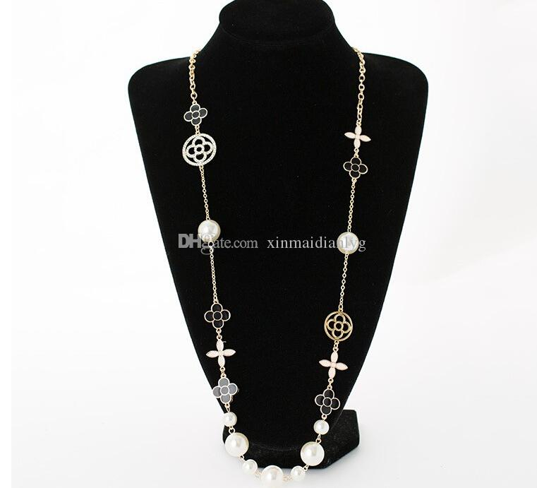 High quality new popular designer female pendant necklace pearl four-leaf clasp necklace jewelry gift love accessories fast delivery1