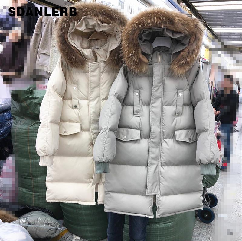 Winter-lange starke mit Kapuze Parkas Frauen reine Farbe der knielangen Echtpelzkragen Baumwolle gefütterte Jacke Löst Down-Windsicher