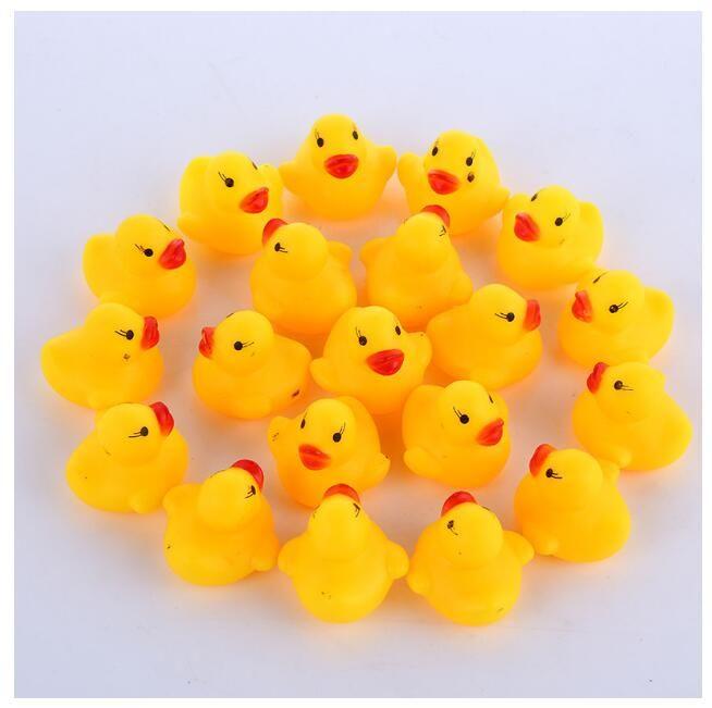 1000PCS / الكثير الجملة حمام صغير المطاط بطة بولي كلوريد الفينيل مع صوت البطة العائمة تسليم سريع السباحه بيتش