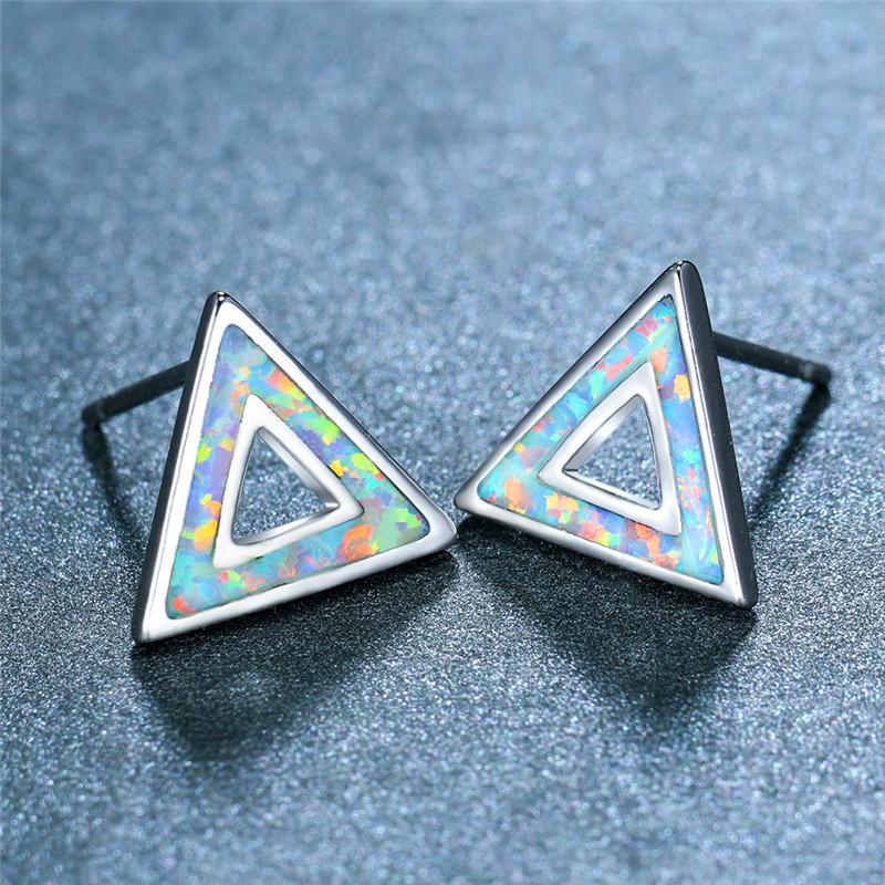 Boho Weibliche Blue White Opal Stein Ohrringe klassischen Dreieck Hohlbolzen-Ohrringe für Frauen Charm Brautsilberhochzeit