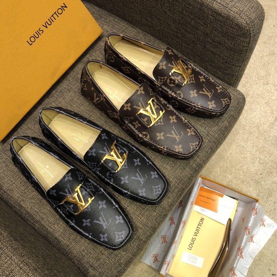 2019 Formale Uomo Scarpe a punta Scarpe di lusso scarpe di vestito da affari Genuine Leather in pelle di mucca di alta qualità Scarpe stringate