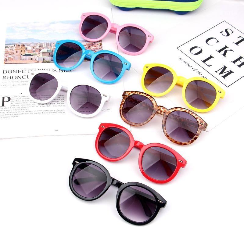 Moda niños sombras anteojos niños colores de caramelo marco de viaje gafas de sol niña al aire libre marco de sol tta-1026 gafas Full WXCUA