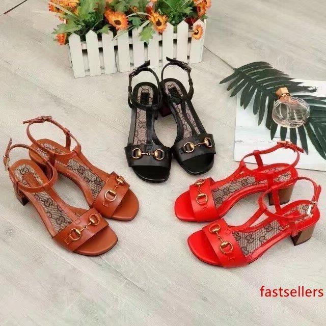 2019 scarpe Top Letter Quality Fibbia in metallo con tacco cuoio genuino della pelle bovina sandali tacco Moda Donna spessi 35-42 con