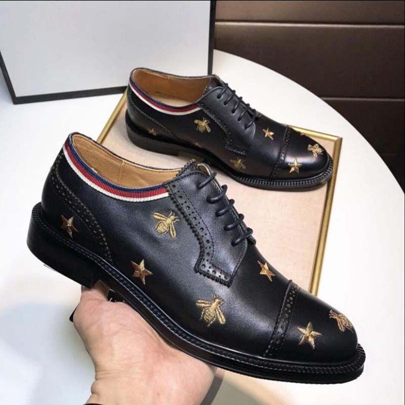 Erkek ayakkabı altın parçacığı işlemeli arılarla ayakkabı Siyah deri brogue Princetown ayakkabılarını bağlamak ve en kaliteli V22 yıldız elbise