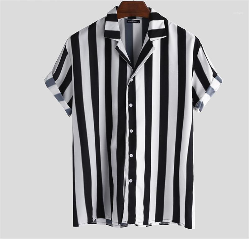 Soltas Mens Verão Designer Polos de manga curta reta friso Mens Tshirts preto e branco com botão listrada lapela Neck