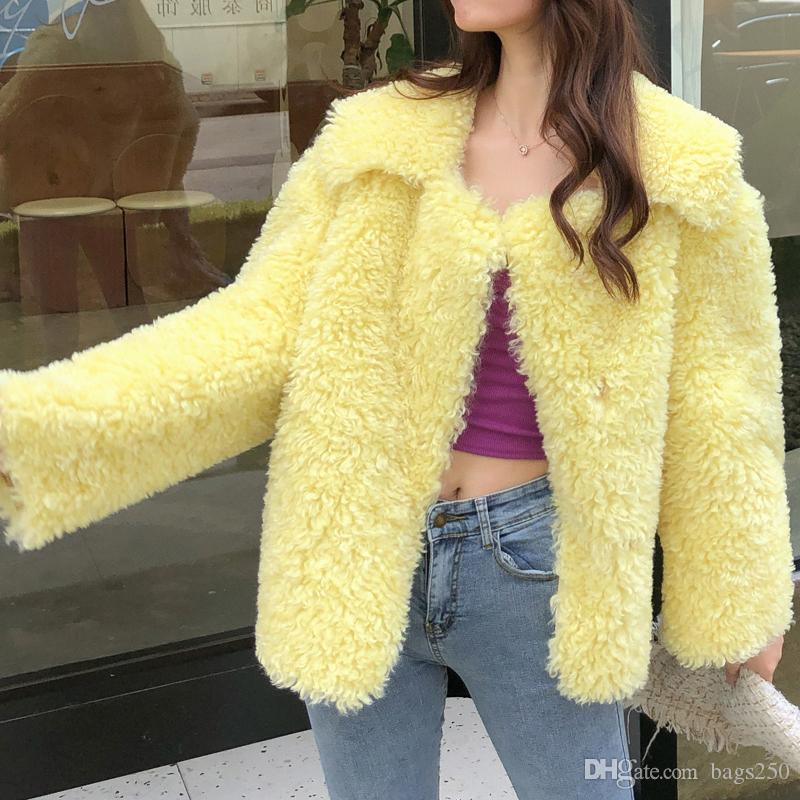 Creme Yellow Jacket Shearling Brasão Mulheres Winter Faux Lambs Fur Casacos estilo coreano meninas doces Lambswool Coats Outerwears