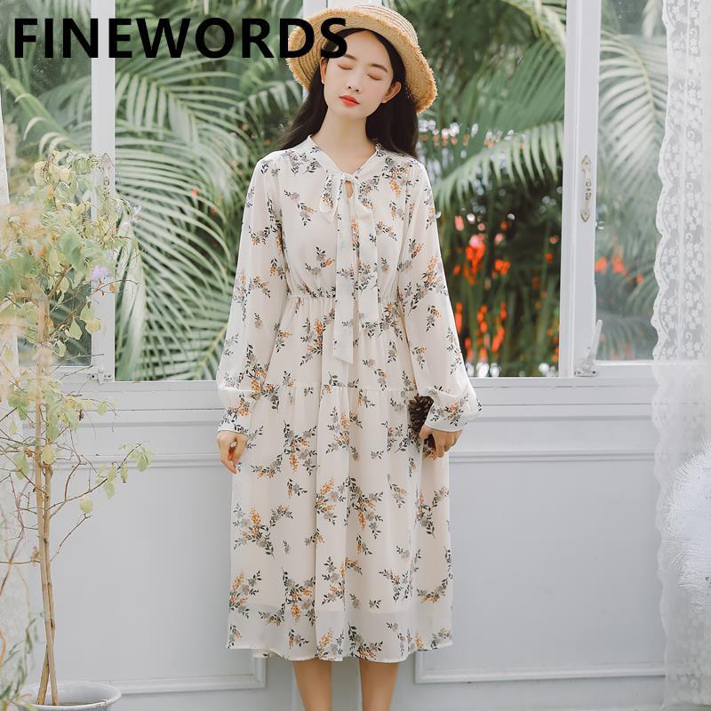 FINEWORDS Primavera Chiffon Floral Vestido Branco Vintage Boho Impresso Beach Dress Verão Mulheres manga comprida vestidos elegantes Midi partido