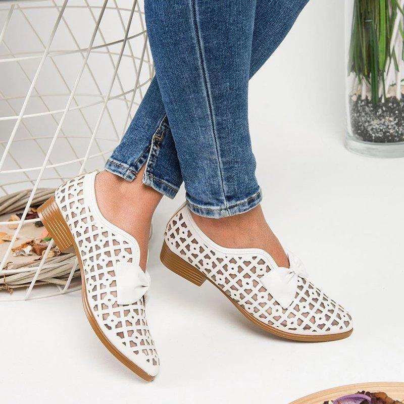 2020 Schuhe der Frauen Sommer atmungsaktiv hohle weibliche Wohnungen große neue Wohnung spitzen Bug Damen bequeme Schuhe rot weiß