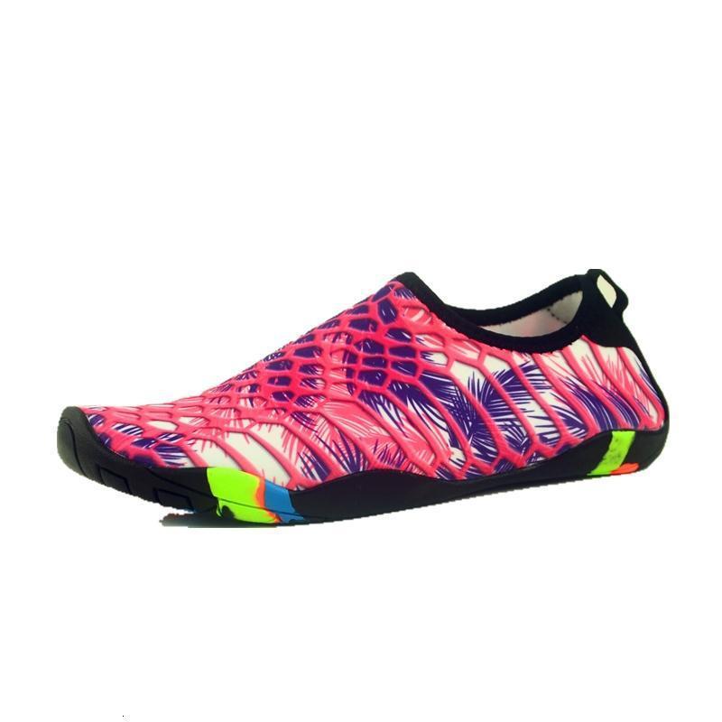 VEAMORS Hommes Femmes Aqua Chaussures respirant caoutchouc séchage rapide escalade en plein air Amoureux Lumière Eau douce Sport Plage antiusure Trekking