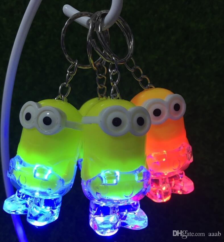 Regalo de la promoción de Navidad de luz LED llavero llegada Minion llavero anillo Kevin Bob antorcha de la linterna del juguete del sonido despreciable Me niños