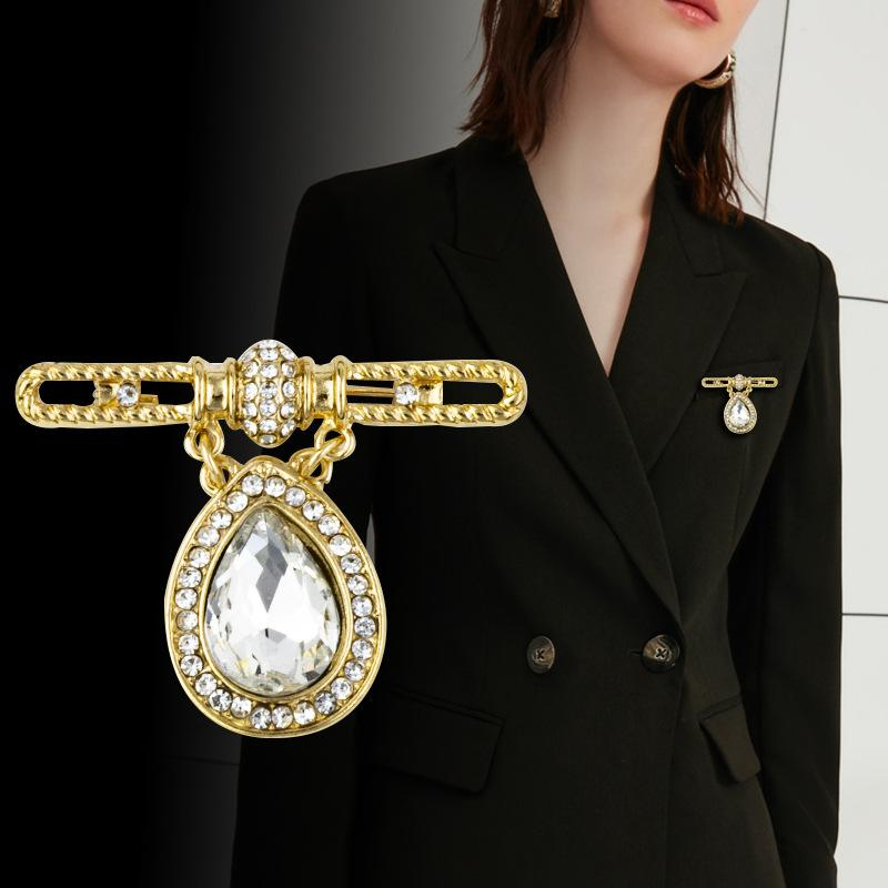 Women Men Scarves Shawl Clothes Collar Lapel Pins Brooches Crystal Rhinestone
