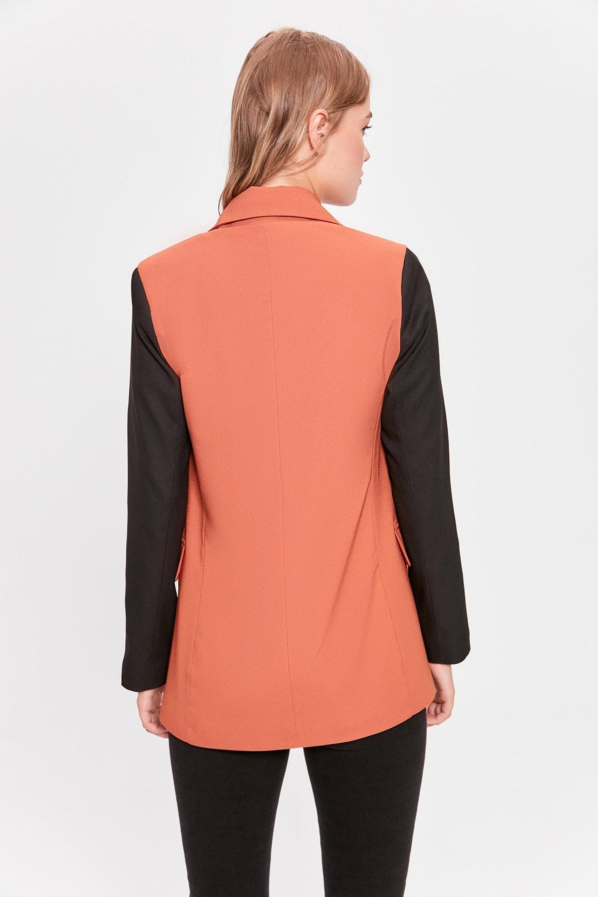 Renk Bloğu Ceket TWOAW20CE0301 ile Trendyol Çini