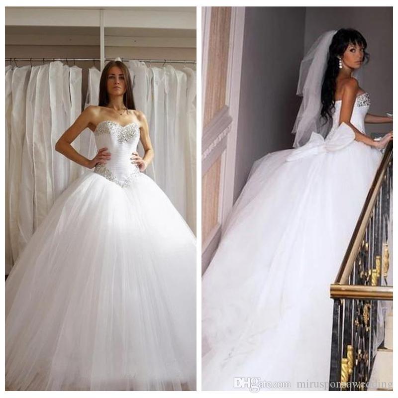 Robe de mariée de la robe de boule de tulle moelleuse à bretelles avec noeud perlé princesse robes de mariée avec train de balayage sans manches Vestidos de novia