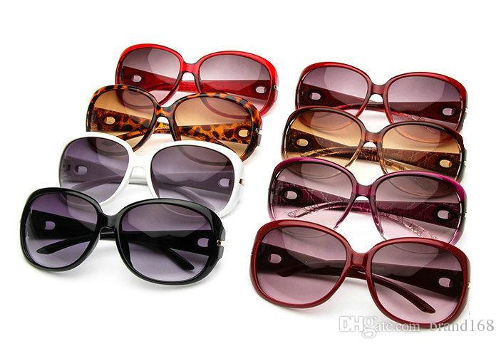 (ÇİN'DE YAPILDI) Zarif Tasarım Yeni Stil Bayan Sunglass Lüks Yeni Renkler spor güneş gözlüğü Mix Güneş gözlükleri gönder.