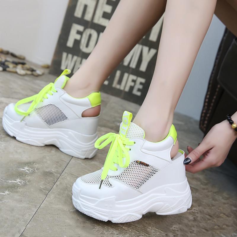 الأحذية الصنادل المرأة منصة المرأة الدانتيل متابعة شبكة الصنادل تنفس الهواء الطلق مغلفة الإناث أحذية الشاطئ الفتيات أحذية رياضية
