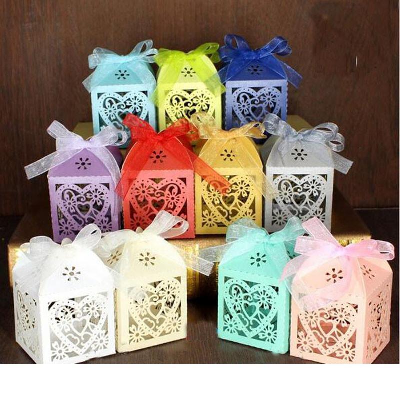 200pcs défini Love Heart Laser Cut creux transport Favors cadeaux Candy Box avec ruban de baby shower de mariage Party Supplies