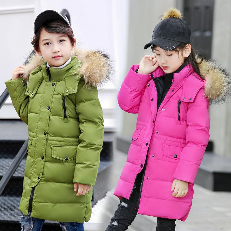 Escudo para los muchachos 2-12 años de adolescencia los niños prendas de vestir exteriores de -30 grados Rusia invierno por la chaqueta con capucha para niñas Piel real a largo