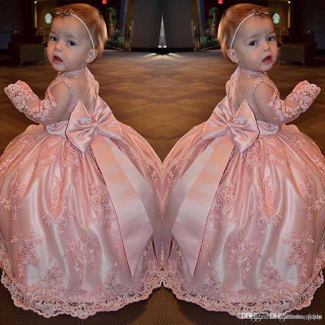 Pêche Rose Dentelle Tulle Fleur Filles Robes Sheer Cou Sans manches Arc Longueur Au Sol Princesse Petits Enfants Mariage Robes De Fête D'anniversaire