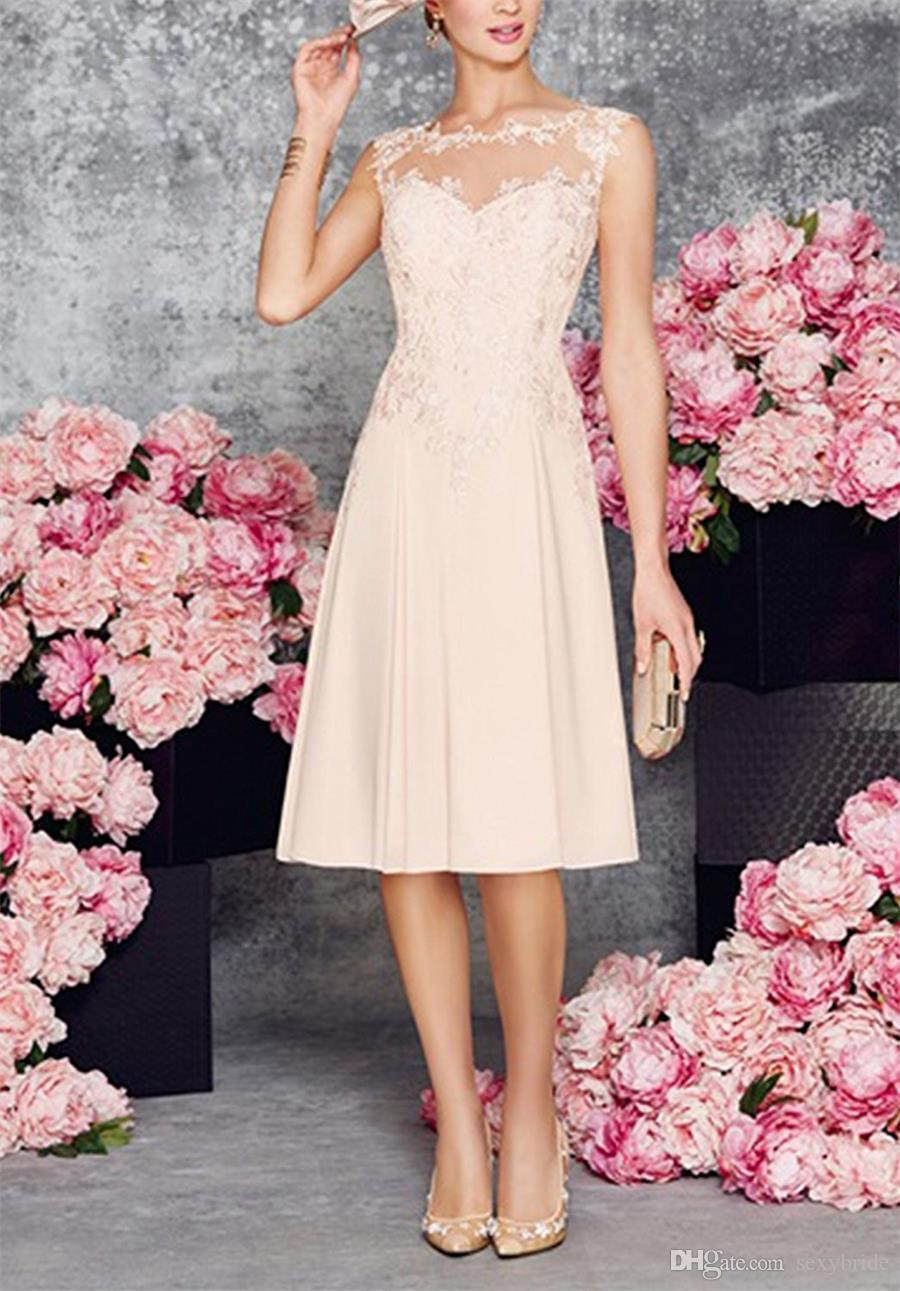 fb1d28aecf96e ... Short Mother of the Bride Dresses Knee Length Sheer Open Back Lace  Applique Chiffon Groom Mothers ...