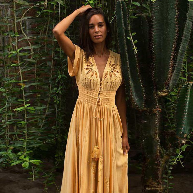 Flor amarela oco Out bordado vestido de algodão Lace Up V Neck Boho Praia vestido Mulheres uma longa linha maxi vestidos para as Mulheres 2020