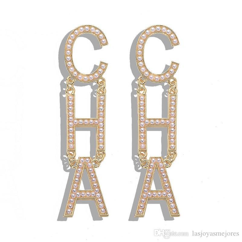 Moda popular diseñador de lujo exagerado letra grande perla cha caída largo colgle araña perno pendientes para mujeres oro plata