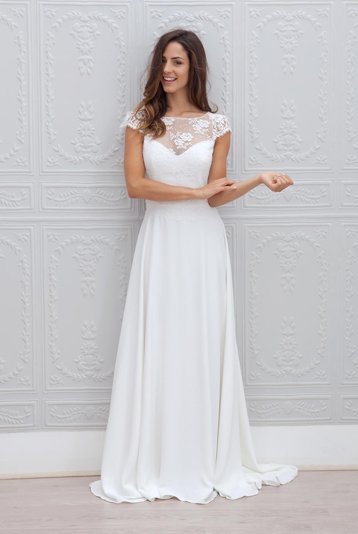 Latest On Sale White Bridal Wedding Dresses Lace Bateau Neck Short