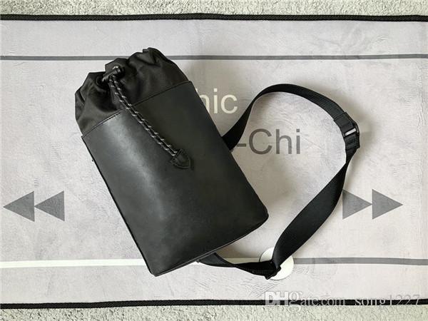 L Duxurys Designers Bags تصميم عملي من حقيبة كتف واحد تسلق حبل الختم لسهولة الوصول إلى أحزمة الكتف واسعة