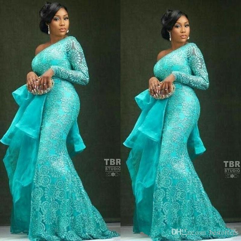2020 abiti da sera d'epoca Aso Ebi sexy blu merletto in rilievo della sirena Prom Dresses una spalla partito convenzionale damigella d'onore Pageant abiti