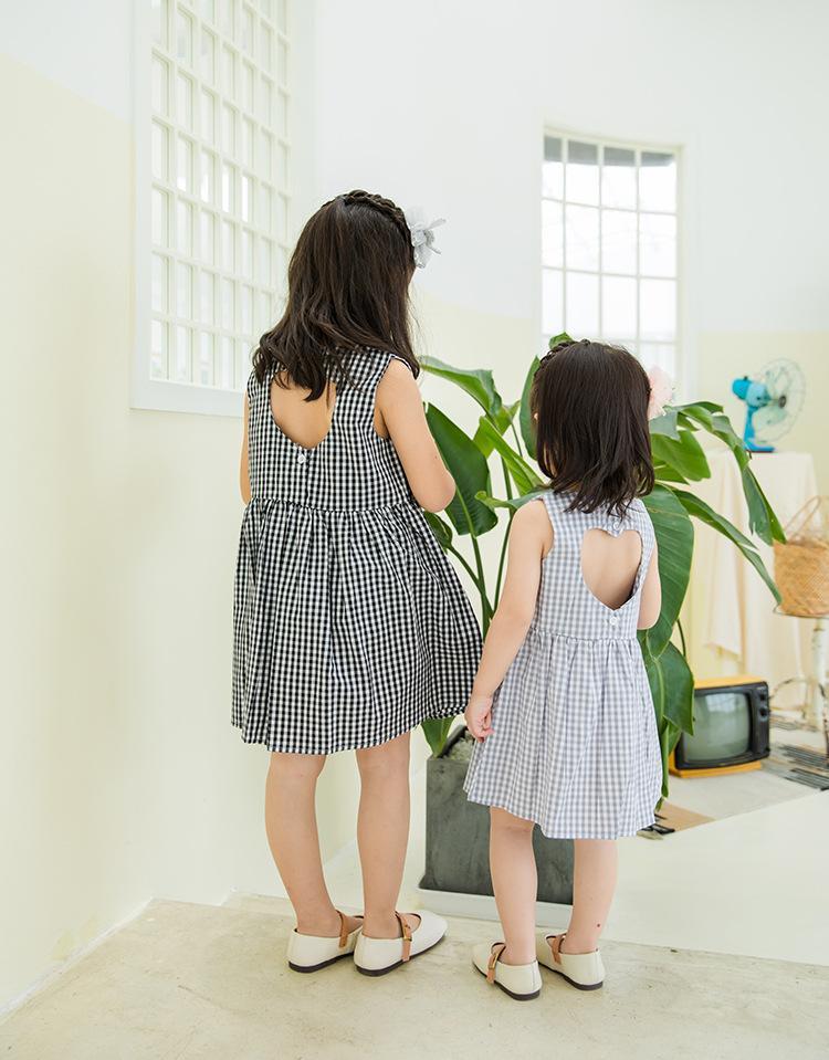 geri Aşk dışarı oyuk% 100 pamuk Tasarım kız Lolita Elbise ile kız giyim elbise Yaz Kolsuz O-boyun Butik ekose baskı