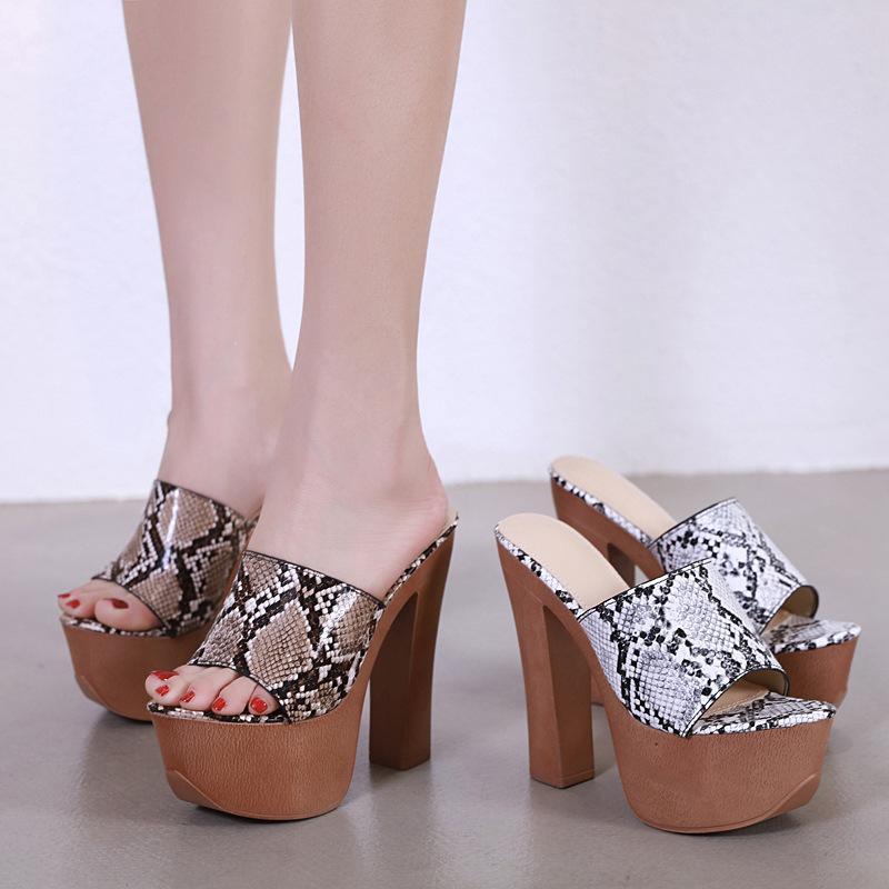 Pantoufles Plate-forme Talons Femmes Summer Peep Toe Toe Sloke Snake Print Mules Chunky High Heel Chaussures Selfe Sandales Zapatos Mujer