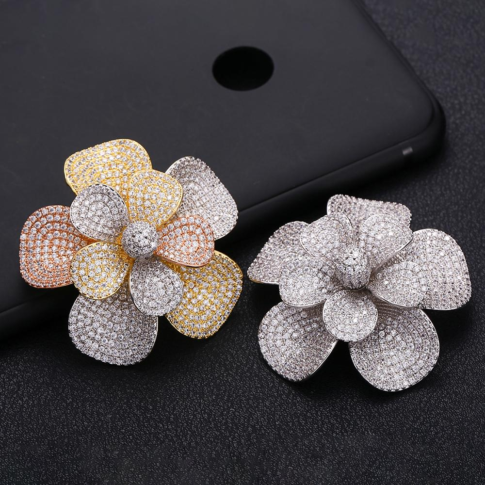 wholesale Rhinestone Crystal Silver Flower Brooches for Women Men Wedding Bridal Party Round Bouquet Brooch Pin Clea