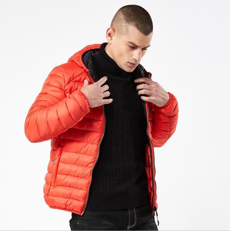 Invierno nuevo abrigo de algodón diseñador hombres ropa ligera cálida simple con capucha multicolor fundación pan ropa hombres chaqueta