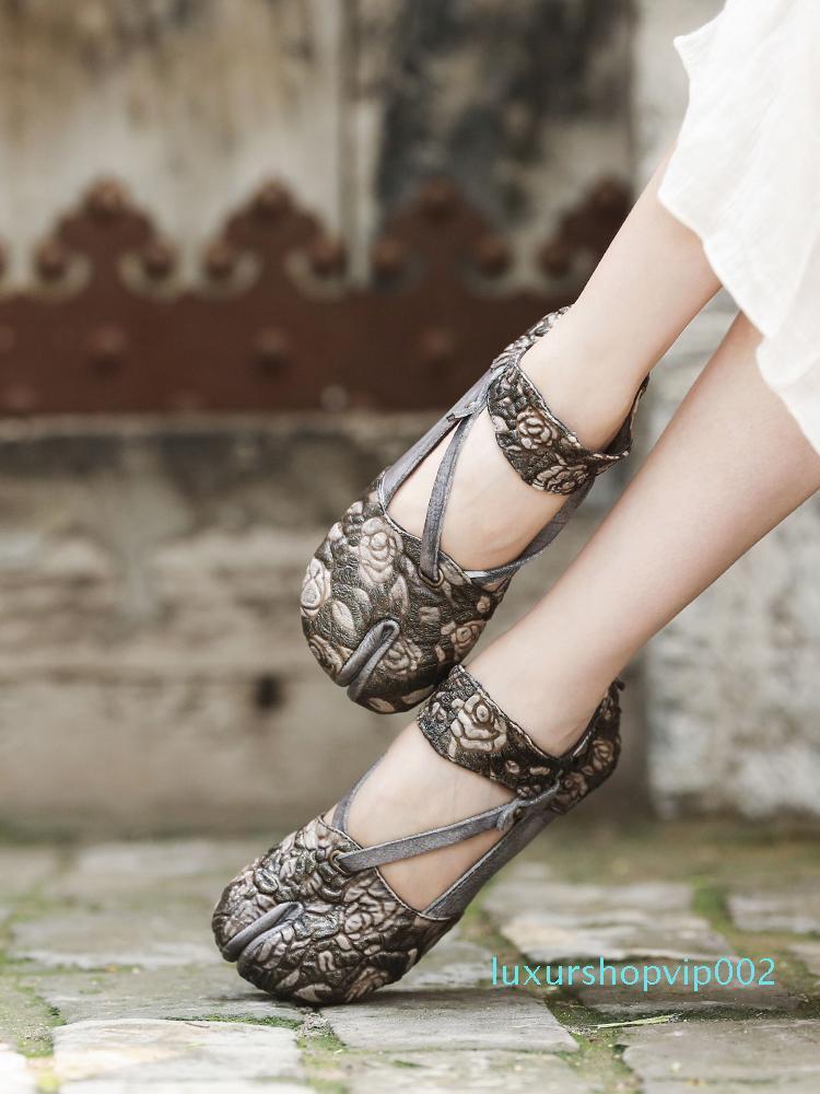 Hot femmes en cuir véritable Vente-Artdiya chaussures main rétro fleurs orteil peau de vache, dos, fermeture éclair intérieur confortable, des chaussures simples