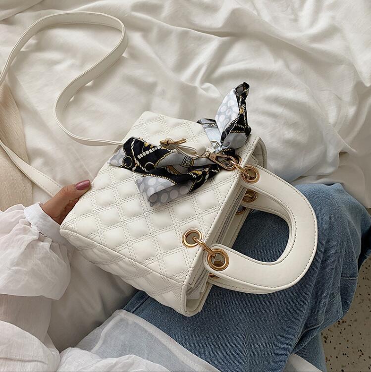 Designer de luxo Bolsas Bolsas Senior pequeno saco de moda sacos de ombro Diamante Malha Crossbody menina Saco do presente