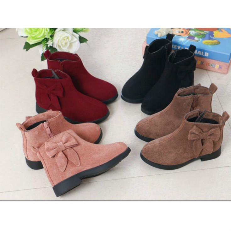 Девушки Дизайнерские Boots 2020 Новое прибытие моды Детская обувь с Bow бабочки Little Bird Китайский стиль Boots горячее надувательство