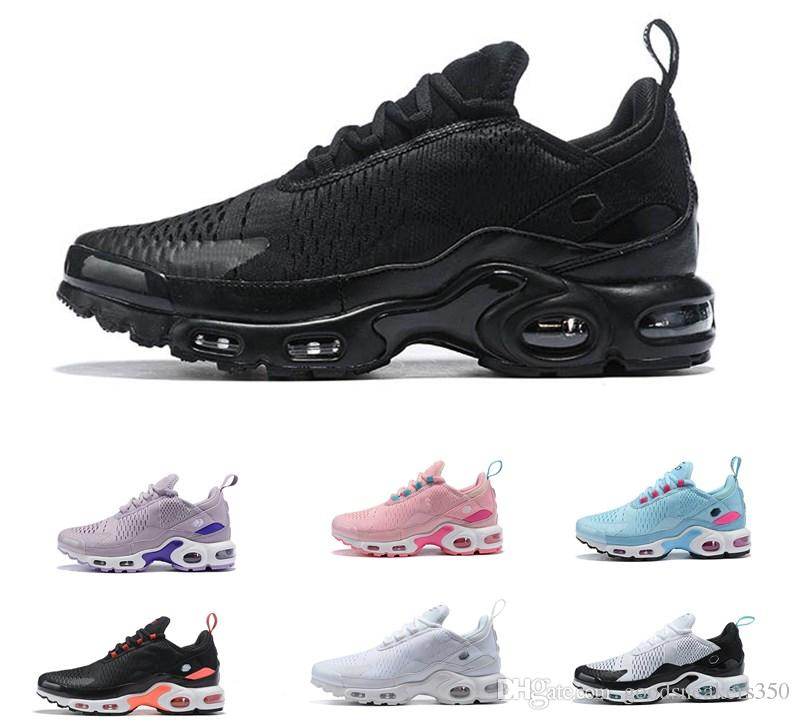 Acheter 2019 New Air Nike Air Max 270 TN Hommes Femmes Chaussures De Plein  Air Hommes Femmes 27c Noir Blanc Triple Maxes Chaussures De Course En Plein  ...