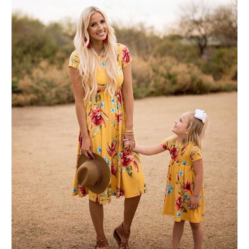 Mother Daughter Dresses Casual Short Sleeve Mommy And Me Clothes Floral Print Family Matching Clothes Dresses Y19051103