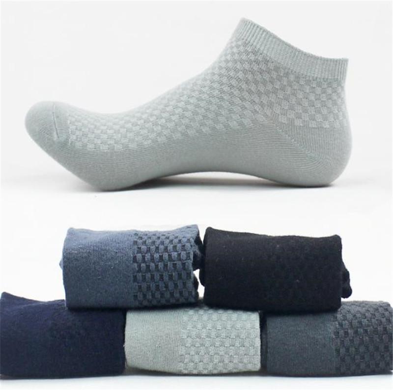 Caviglia Calzini Primavera Designer Men Calzino Pantofole sport respirabili Stretch Solid Mens di colore calze sportive a quadri