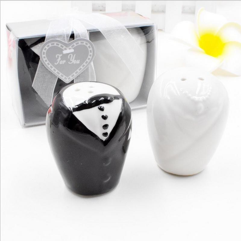 50pcsの新郎新婦の塩辛骨シェイカーの結婚式の陶磁器の調味料の台所パーティーGiveaways