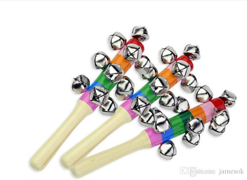Hölzerner Stock New Style Jingle Glocken Regenbogen Hand Shake Sound Glocke Rasseln Baby Pädagogisches Spielzeug 18 cm Da096