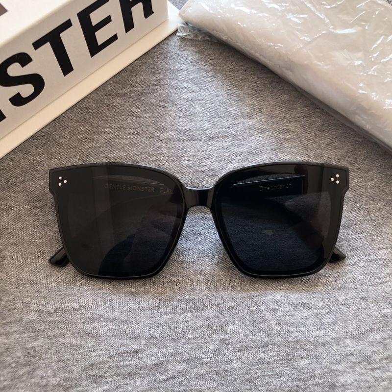 2020 mujeres a estrenar de la estrella Gafas de sol clásicas Gentle Monster Marco cuadrado de los vidrios de Sun de los hombres gafas de sol de moda de lujo de GM Dreamer 17 Y200619
