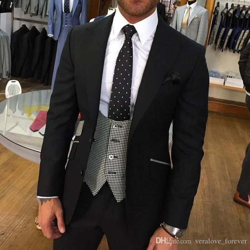 Stylish Black Groom Tuxedos Peak Lapel Man Business Suits Prom Party Blazer Waistcoat Trousers Sets(Jacket+Pants+Vest)