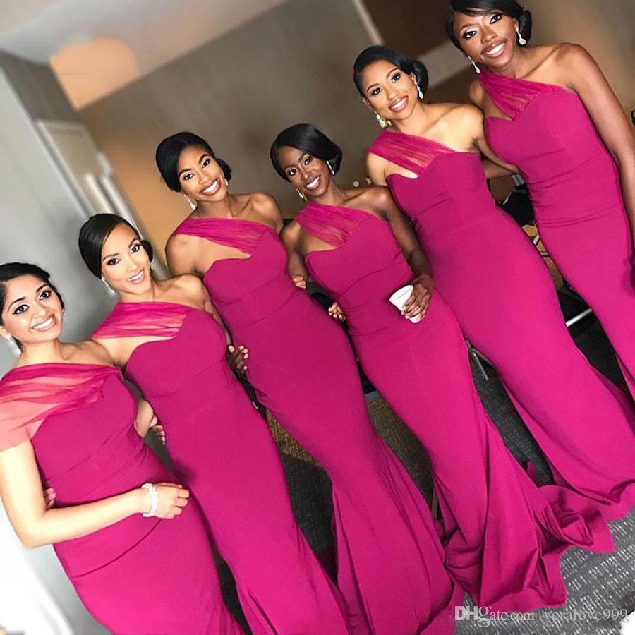 Vestidos de dama de honor fucsia 2019 Plisados Un hombro Vestido de dama de honor Vestido de invitados a la boda Túnicas de fiesta túnicas de bal