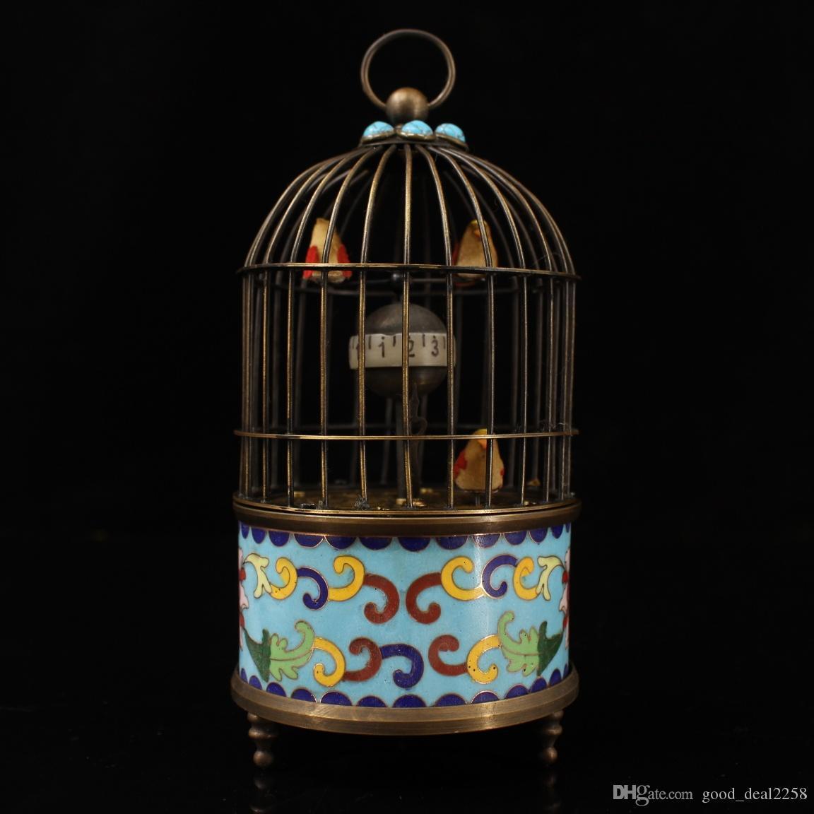 Rare vieux laiton chinois sculpté marqueté cloisonné turquoise main statue d'horloge de cage d'oiseau